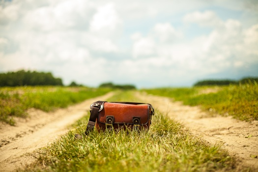 bag on tracks